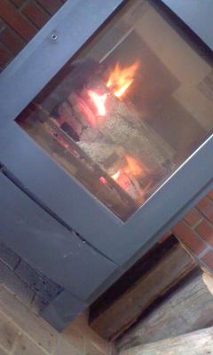 葬儀葬祭業経営コンサルタント中西正人(葬祭ホールに暖炉)