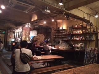 葬儀葬祭業経営コンサルタント中西正人(古い建物のなかのカフェ)